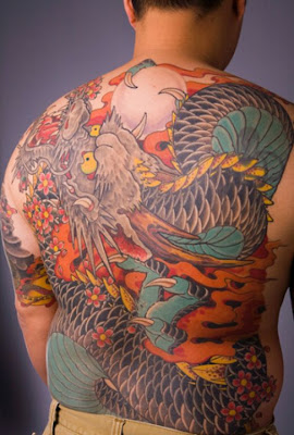 Tattoo oriental - Tattoo Dragão na costa