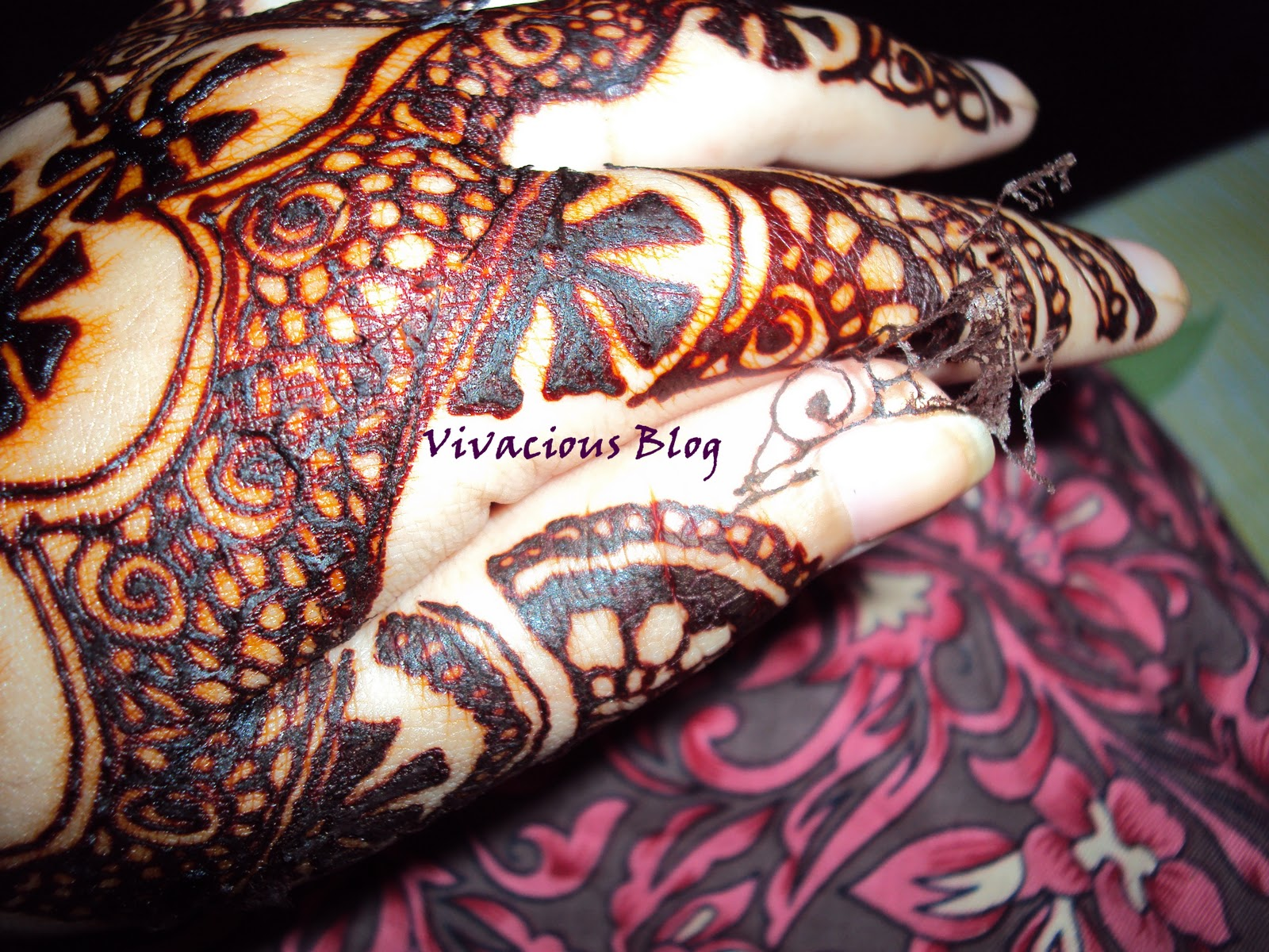 Mehndi Designs For Hands Red : Henna party mehndi red cone makedes