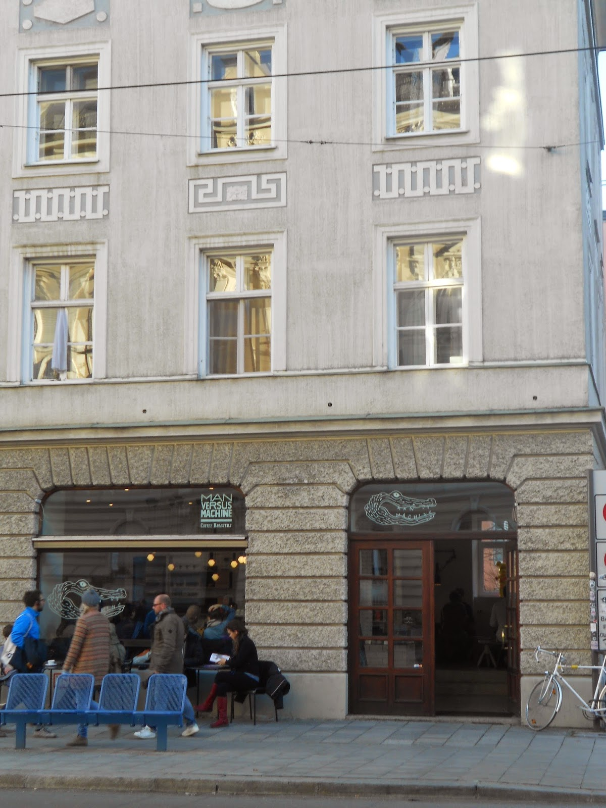 MAN VERSUS MACHINE im Münchener Glockenbachviertel