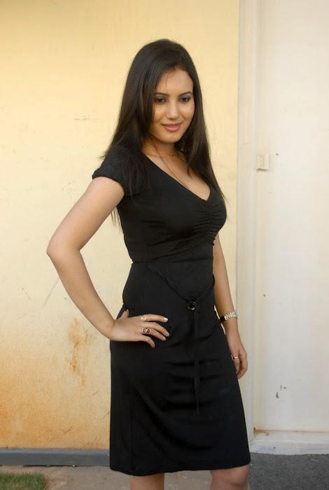 anu smrithi new , anu smrithi actress pics