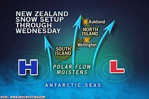 >New Zealand Continues to See Rare Nationwide Snowfall and Cold, Houston Eyeing 16th Straight 100-degree Day, Dissapointing Weather for UK the rest of the week
