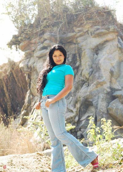 Thanuja Weerasooriya Nude Photos 6