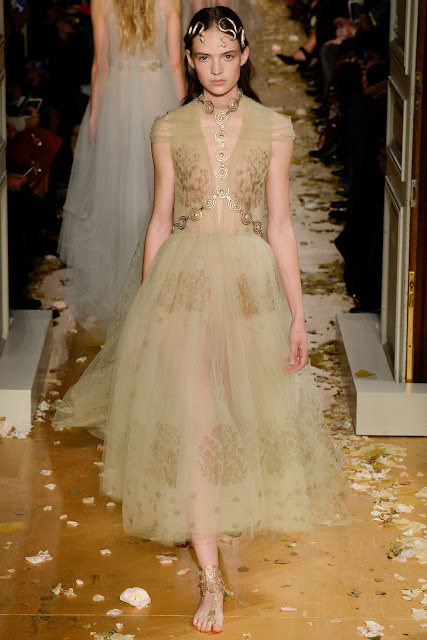 Valentino Haute Couture Spring 2016.  Paris Fashion Week.