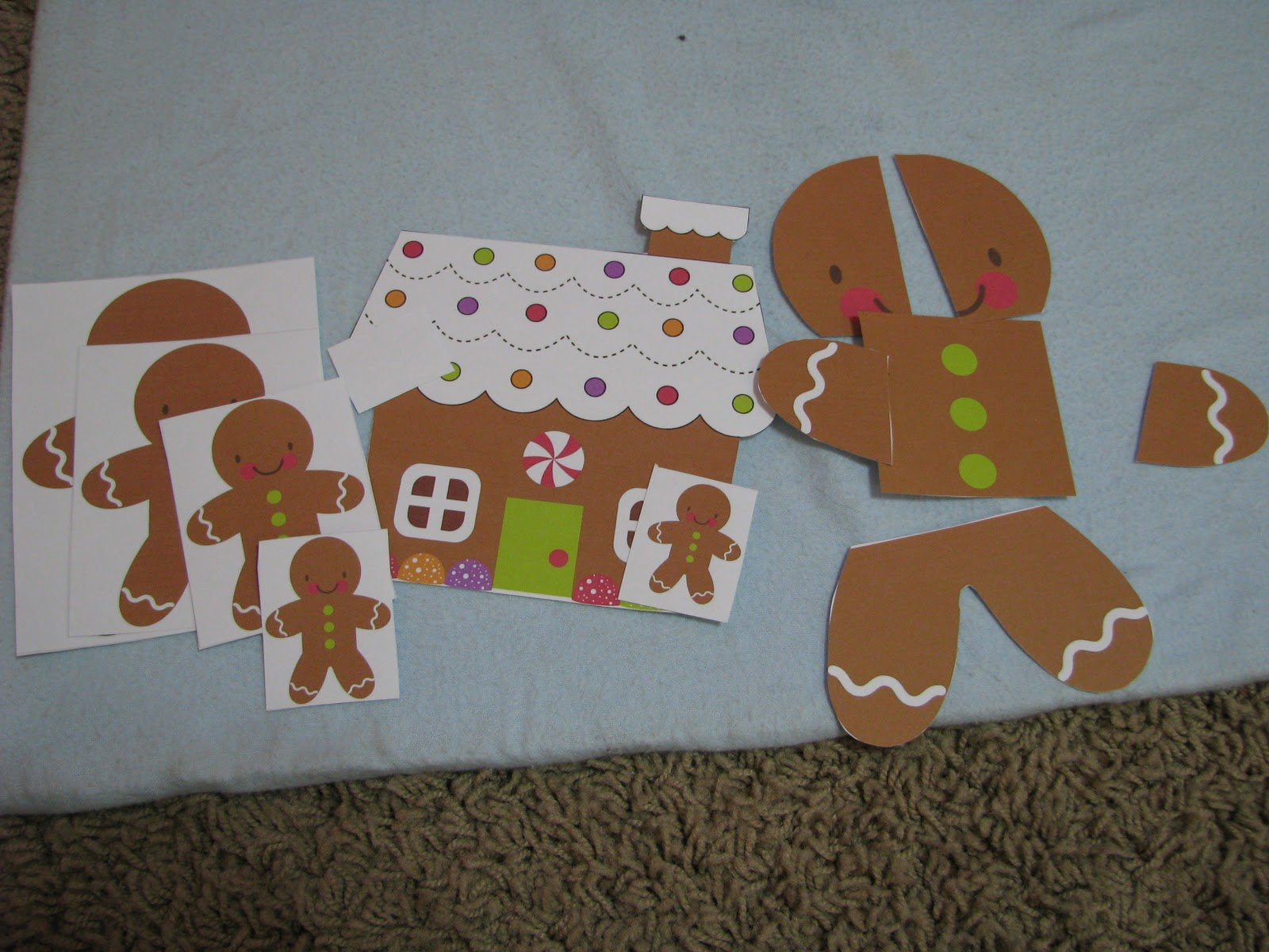 Gingerbread Baby Match the baby gingerbread
