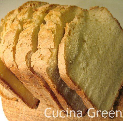 pane di grano duro con la macchina del pane