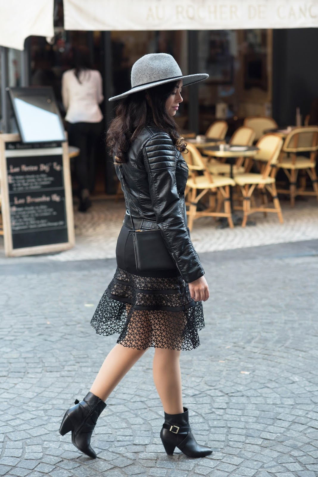 coco and vera, top paris fashion blog, outfit, chicwish skirt, all black everything, lace, le chateau boots, grey hat, paris street style