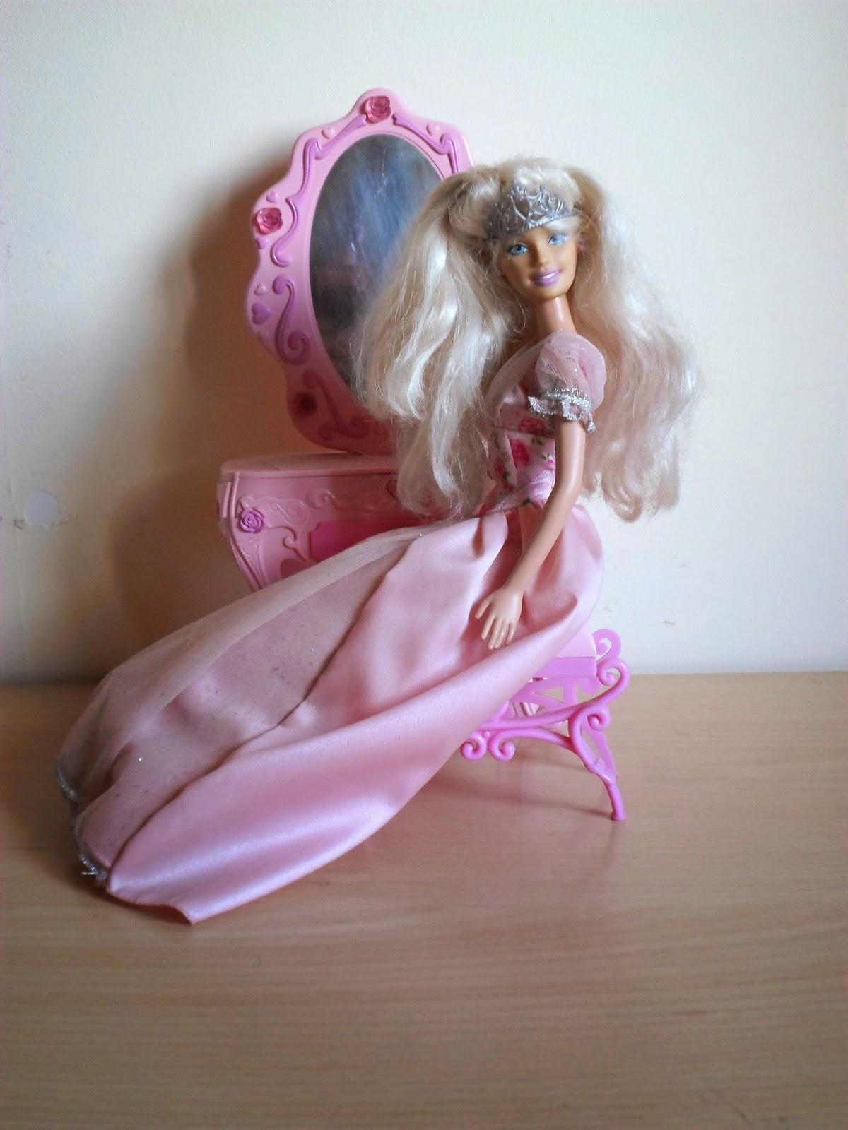 El rincón de mis muñecas: Barbie Cenicienta y Tika Elefante Columpio ...