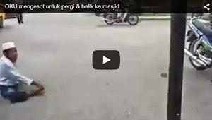 Thumbnail image for (Video) Sukar Untuk Pergi & Balik Ke Masjid, Lelaki India Dermakan Kerusi Roda