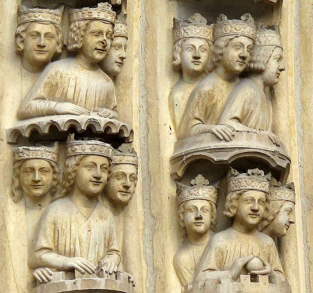 Fachada da catedral de Notre Dame de Paris, detalhe.