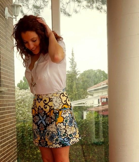 Falda amarillo y azul