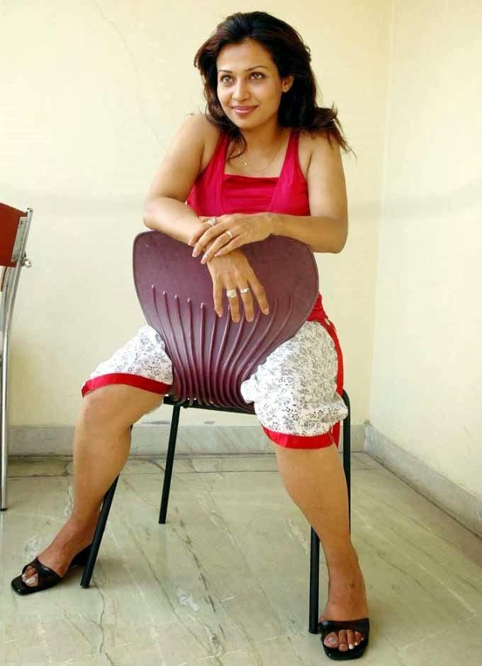 Actress Asha Saini Hot And Glamorous Photo Stills ...