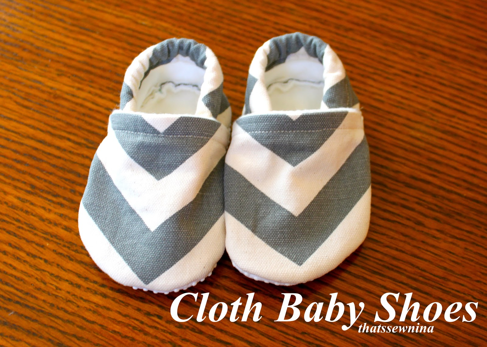 thatssewnina: My favorite DIY baby gift (part 3): Cloth Baby Shoes