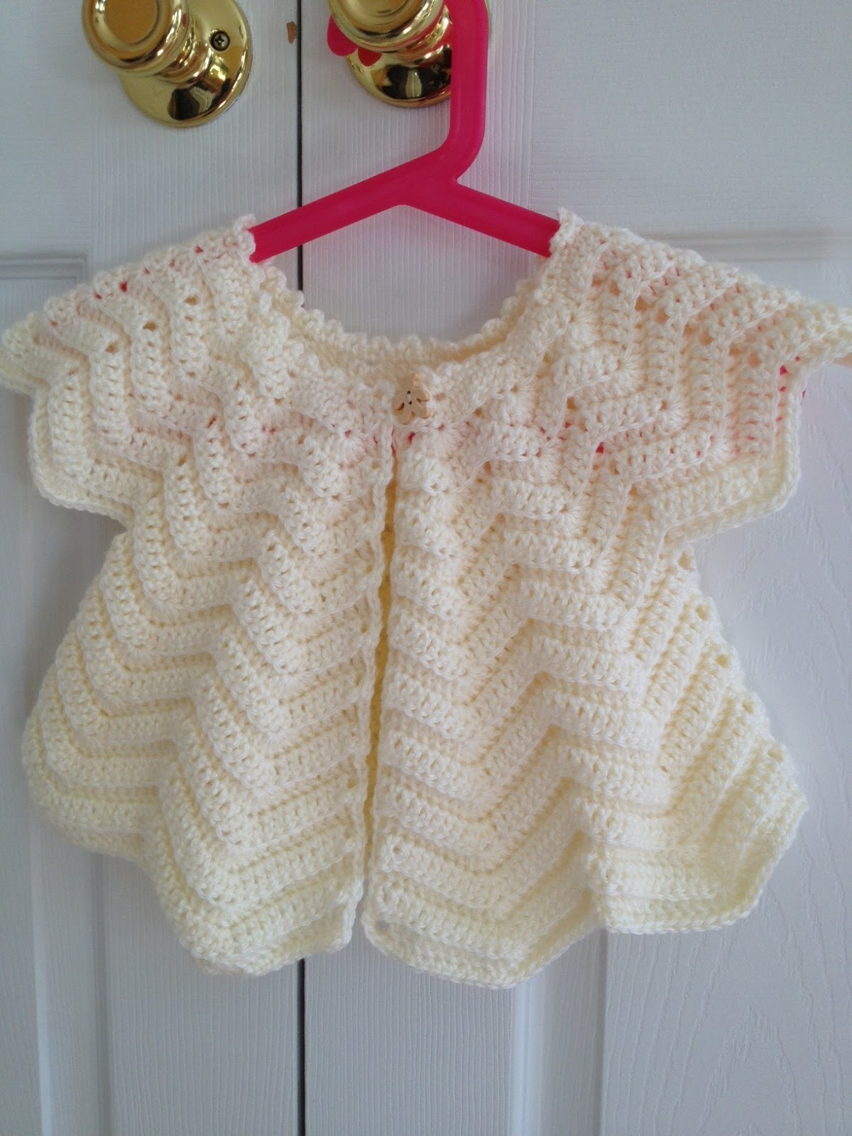 Free Crochet Pattern For A Baby Sweater : Agnes Gurumi: Emmys Baby Cardigan (Free Pattern)