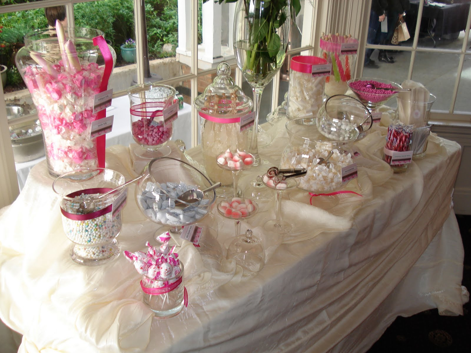 how to set up a candy bar