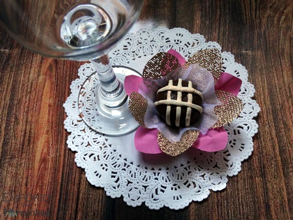 Forminha Lírio em voal, tela e tecido de algodão
