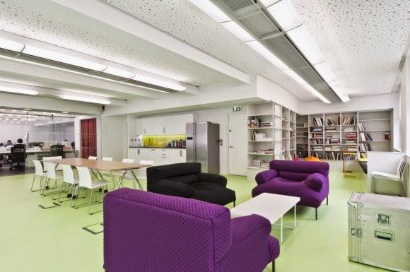 Award winning colorful minimalist office interior design – dentsu