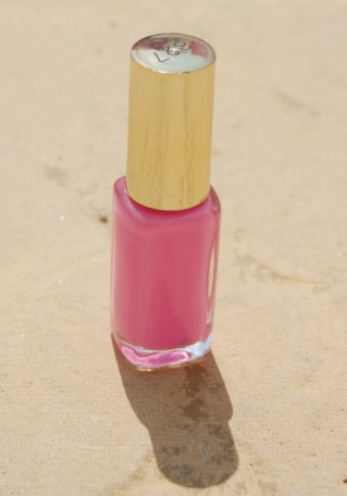 L'Oreal Color Riche Neon polish in Acid Watermelon
