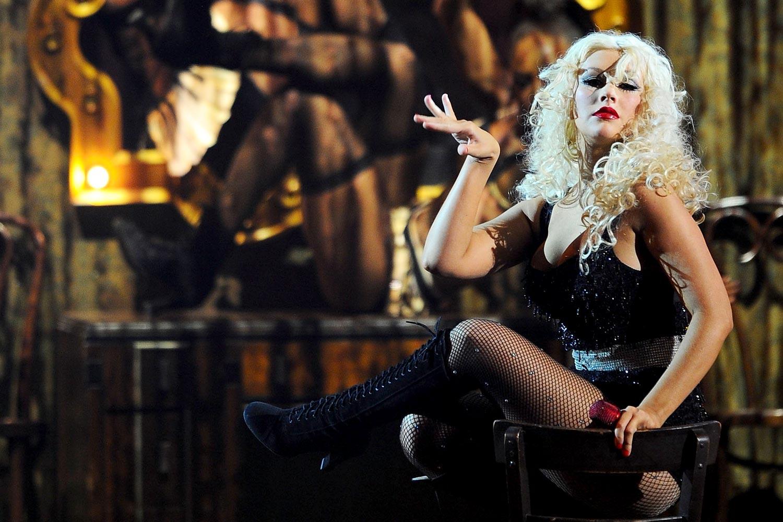 http://4.bp.blogspot.com/-pHQCt114s3Q/Ts5sD1L06rI/AAAAAAAAAeg/4f2H2qIz3PE/s1600/Christina-Aguilera_american-music-awards-2011_arrivals_4.jpg