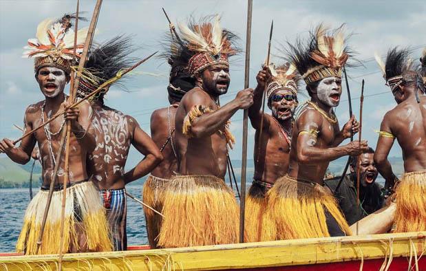 Baju Adat Papua
