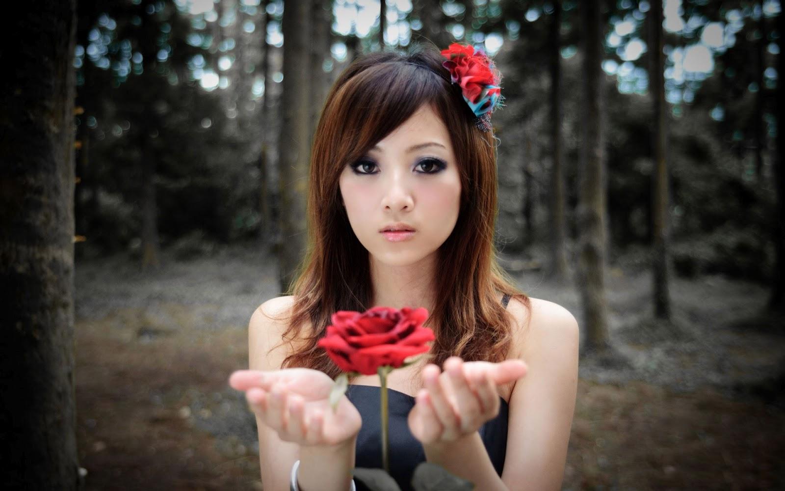 http://4.bp.blogspot.com/-pHk4WRVLxPw/T6lrGeRfQoI/AAAAAAAAAXE/_1kGvzQO6Nw/s1600/free-beautiful-new-girls-hd-wallpapers-backgrounds-desktop.jpg