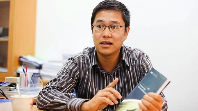 """""""Nền kinh tế vẫn chưa thoát khỏi vùng trũng suy giảm"""" ông Nguyễn Trí Dũng - Ảnh: V.C.K"""