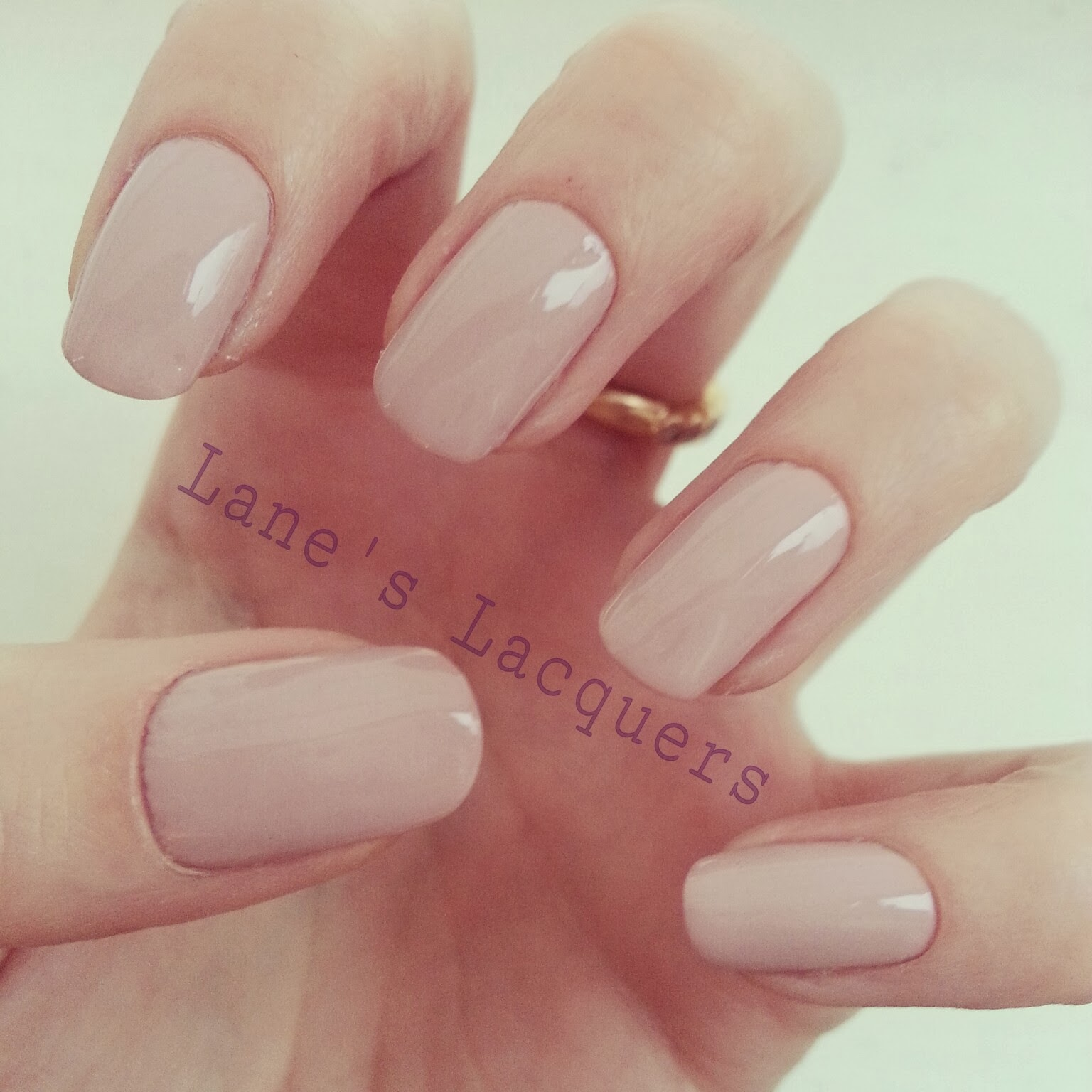 nails-inc-george-street-swatch-manicure