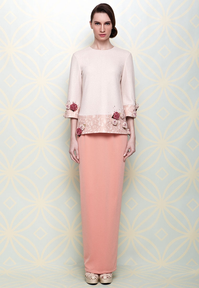 Pink Mira Baju Kurung by LS for Jovian features contrasting panels