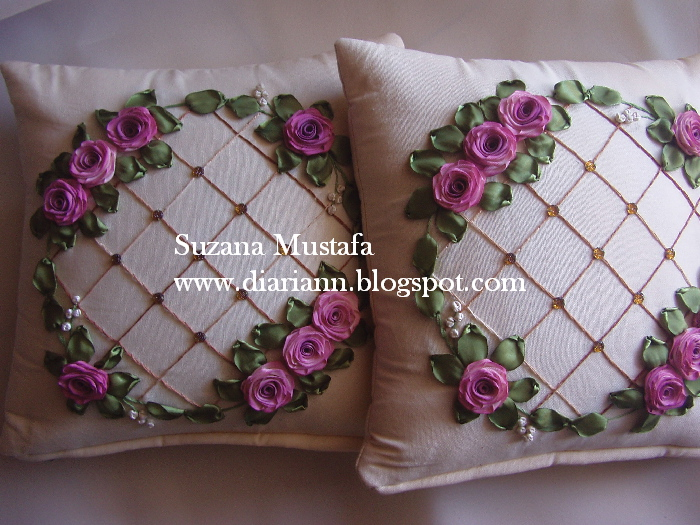 http://4.bp.blogspot.com/-pImGVLbSRnA/UQdRqRGs5CI/AAAAAAAADgM/c3uDenr6ERk/s1600/Cushion+4.jpg