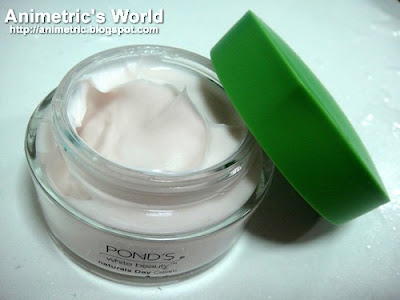 Pond's White Beauty Naturals Day Cream