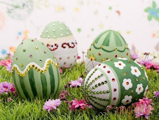huevos decorados con papel