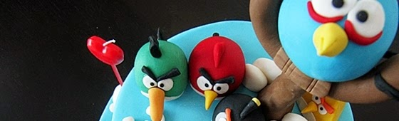 Header picture of Angry Bird cake