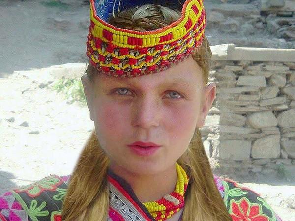 bộ tộc người đẹp như Tây ở châu Á 2
