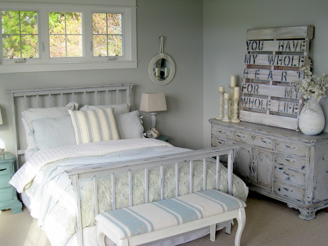 Arctic gray favorite paint colors blog for Schlafzimmer vintage
