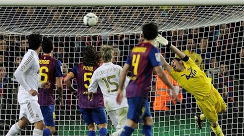 gol Dani Alves al Real Madrid por la escuadra