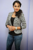 Pooja Ramachandran photo shoot-thumbnail-10