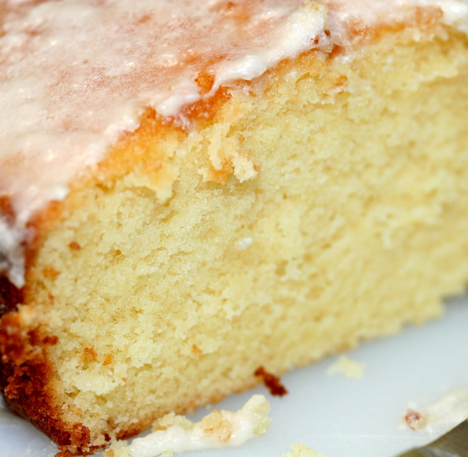 Culturally Confused: Gourmet: Glazed Lemon Pound Cake