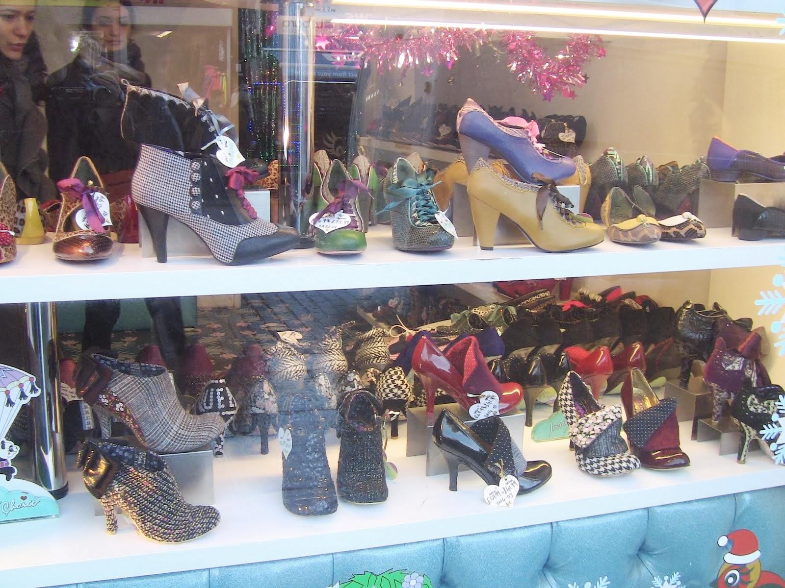 une boutique de chaussures à Camden