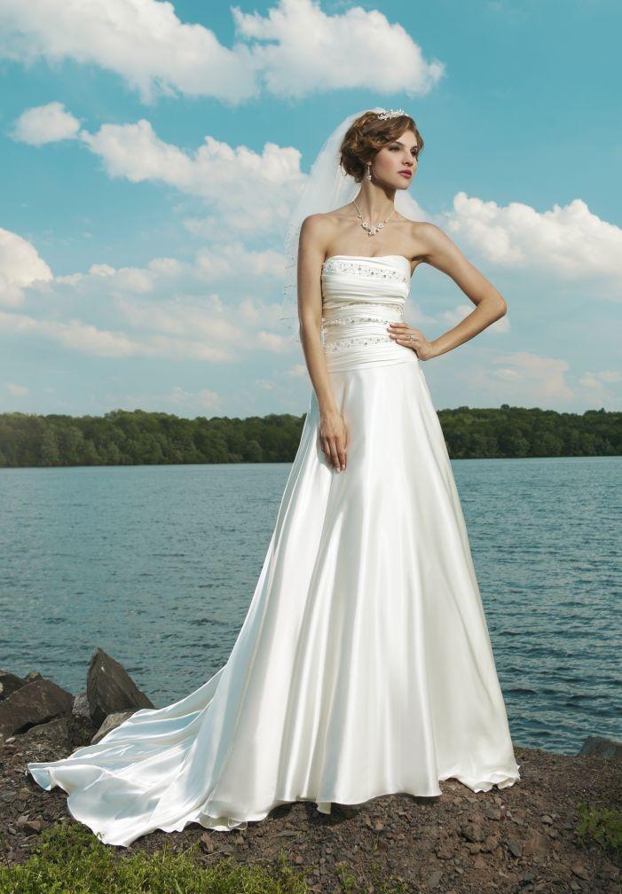 WhiteAzalea Destination Dresses: Destination Wedding Dress in Fiji