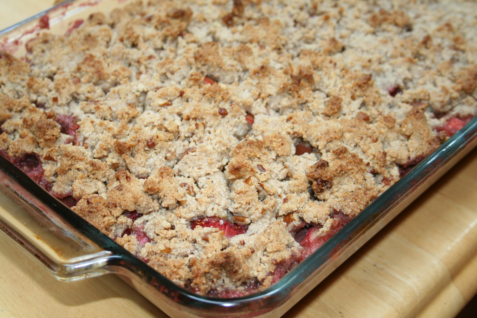 Budget Paleo...Made Easy: Grain Free/Paleo Strawberry Rhubarb Crisp