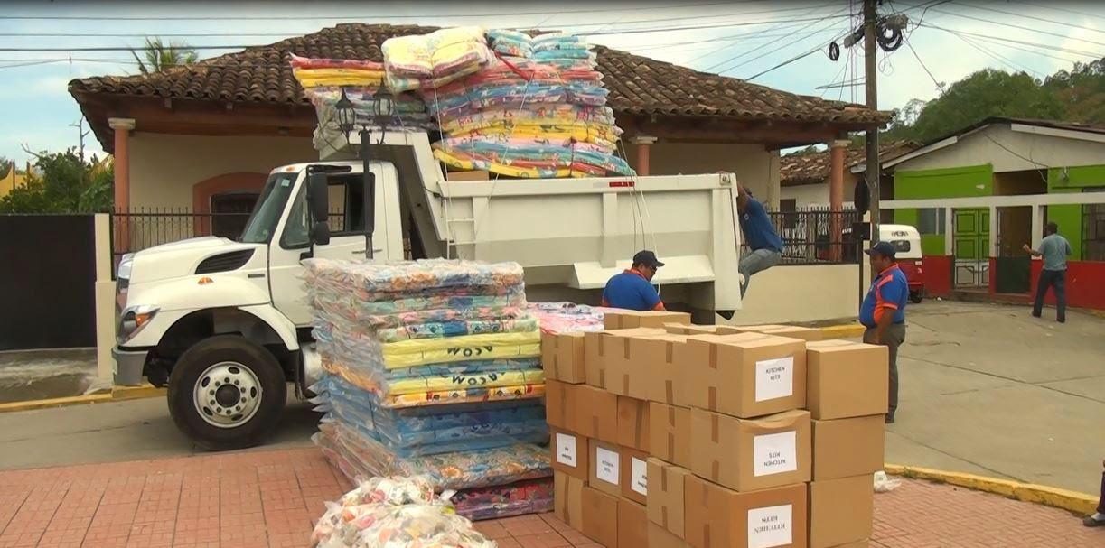 COPECO dota de insumos para reconstruir techos y brinda ayuda humanitaria