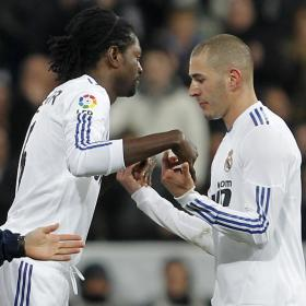 Adebayor substitutes Benzema during Real Madrid match
