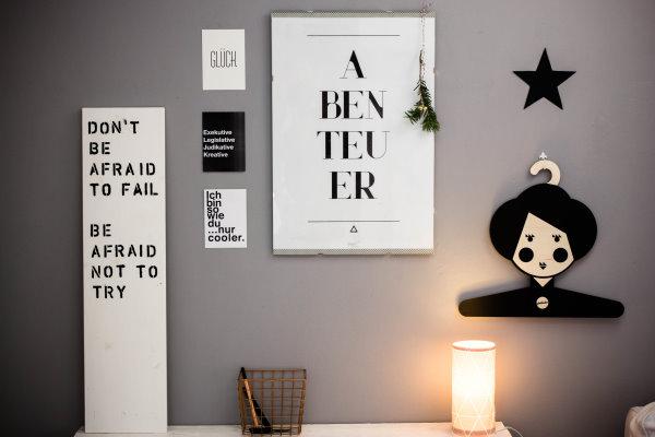 Typo-Wand im Arbeitszimmer
