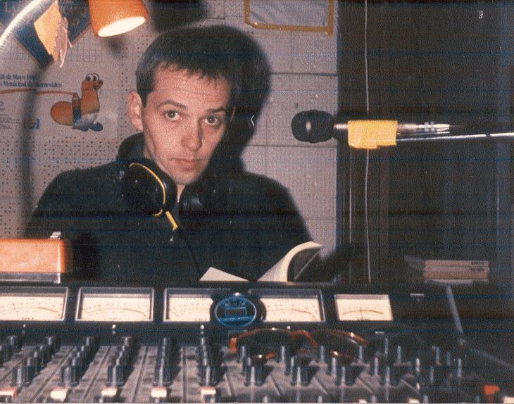 EPC, haciendo el programa Blablablá, en radio Eldorado,fm 100.3, 1989