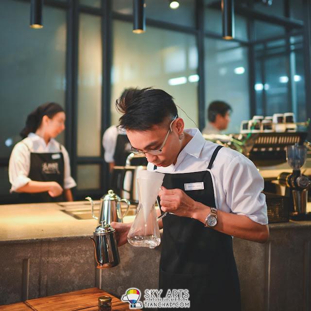 David Leong, Head of Coffee at Le Pont Boulangerie et Café