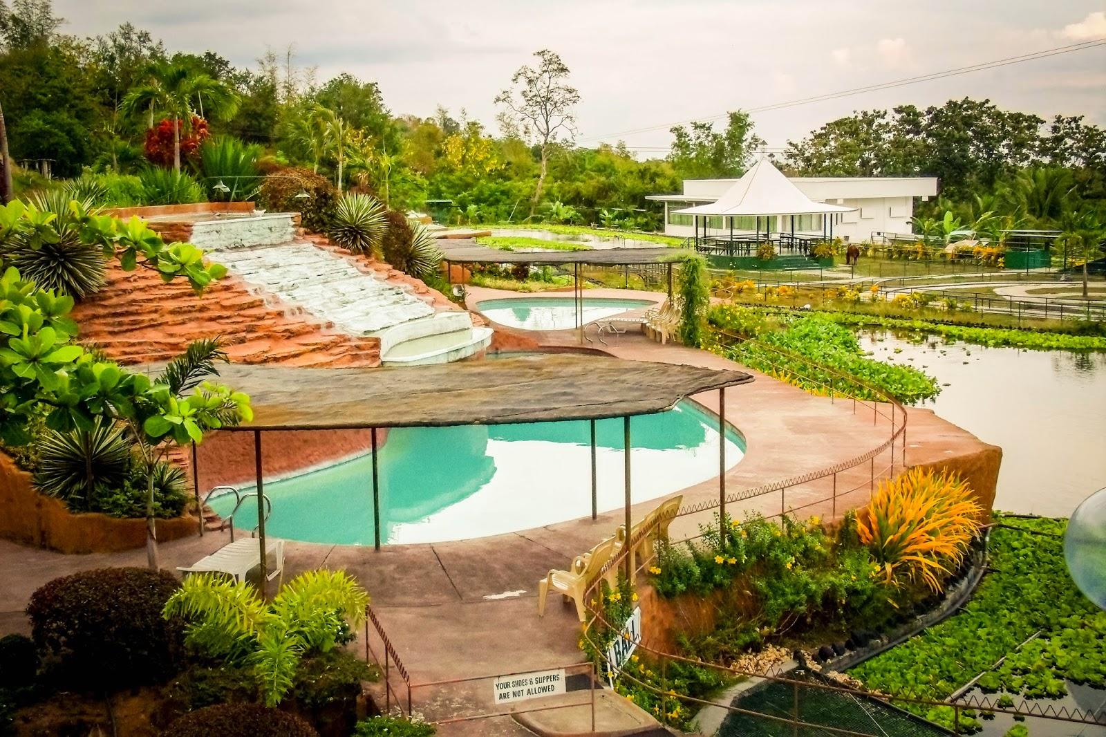 Garin farm inland resort san joaquin iloilo my iloilo for Farmhouse with swimming pool