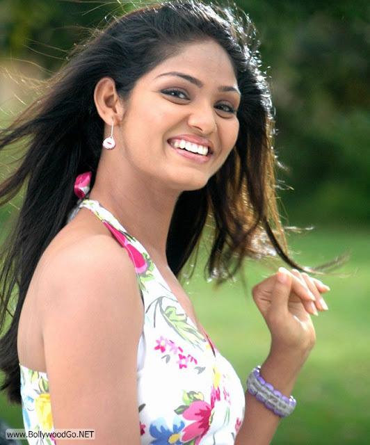 Deepa+Chari+-+BollywoodGo+(3)