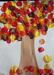Reciclatex Cómo hacer un mural de otoño con tapones de corcho
