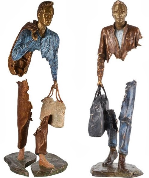 01-French-Artist-Bruno-Catalano-Bronze-Sculptures-Les Voyageurs-The-Travellers-www-designstack-co