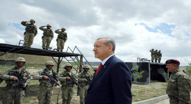 Με πόλεμο απειλεί τις ΗΠΑ η Τουρκία – «Ανεφοδιάζατε τα μαχητικά των πραξικοπηματιών από το Ιντσιρλίκ»