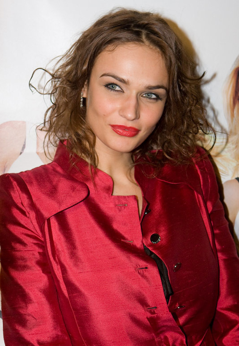 Alena Vodonaeva fell in love with the star of the Kadetstvo series 10.04.2017